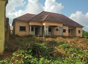 Bungalow Building Of Two Flats Of 4 Bedroom & 2 Bedroom Detached Bungalow for Sale Oredo Edo Vetra  Property