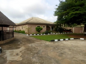 A Luxury 4 Bedroom Bungalow With 2 Rooms Bq On A 100 By 150 Land For Sale At Ugbor Gra 4 bedroom Detached Bungalow for Sale Oredo Edo Vetra  Property