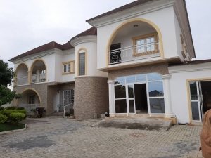 Wonderfully Finished Five Bedroom Fully Detached Duplex With Attached One Room Bq, A Unit Of Two Bedrooms, And One Bedroom Quest Chalet Detached Duplex for Sale Gwarinpa Abuja Vetra  Property