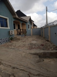 For Sale 4bedroom Bungalow All Room Ensuits On 2plots Of Land All Modern Facilities, Red Copy Survey Plan, Register Building Plan And Land Agreement , Tile Road To The House At Alakia Iyanagbala Within Onimalu Estate New Ife Road 4 bedroom Detached Bungalow for Sale Ibadan Oyo Vetra  Property