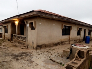 For Sale 4bedroom Flat 2room Ensuits Bungalow On A Full Plot Of Land, Asking Price 5m With Red Copy Survey Plan And Agreement 4 bedroom Detached Bungalow for Sale Ibadan Oyo Vetra  Property