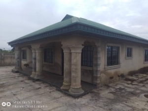 A Fully Fenced And Gated 4 Bedroom Bungalow With Toilets Ensuite, Furnished Kitchen For Sale. The Property Is 7minutes Drive From The Junction Of All Saints College Permanent Site, Agbofieti. 4 bedroom Detached Bungalow for Sale Ibadan Oyo Vetra  Property