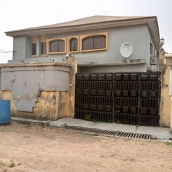 Four (4) Flats Of 3 Bedroom And A Factory For Sale 10 bedroom Flat for Sale Ido Oyo Vetra  Property