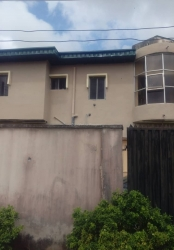 Amazing 2 Bedroom Flat For Sale. Massive Discount !! 3 bedroom Flat for Sale Ajah Lagos Vetra  Property
