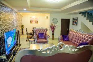 Luxury Furnished 4 Bedroom Semi-detached Duplex 4 bedroom Semi-Detached Duplex for Short let Gwarinpa Abuja Vetra  Property