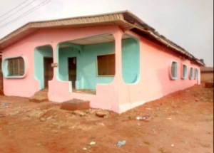 10 Rooms Bungalow House House for Sale Egor Edo Vetra  Property